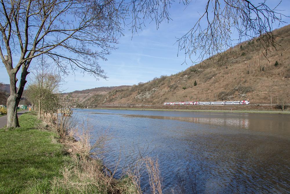 Wo der Rhein mit den Moselschleifen flirtet – das Beste von Rhein ...