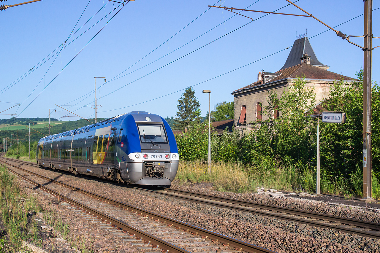 http://www.klawitter.info/bahn/allgemein/20180619-071408_SNCF76743_Hargarten-Falck_TER23502_Sarreguemines-MetzVille_k.jpg