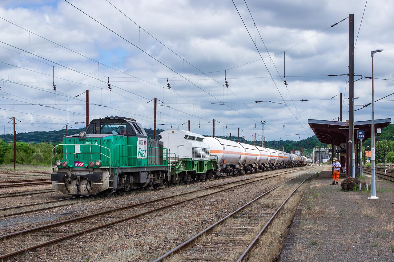 http://www.klawitter.info/bahn/allgemein/20180619-142902_SNCF460054_Bening_400010_Woippy-Bening-Creutzwald_ak.jpg