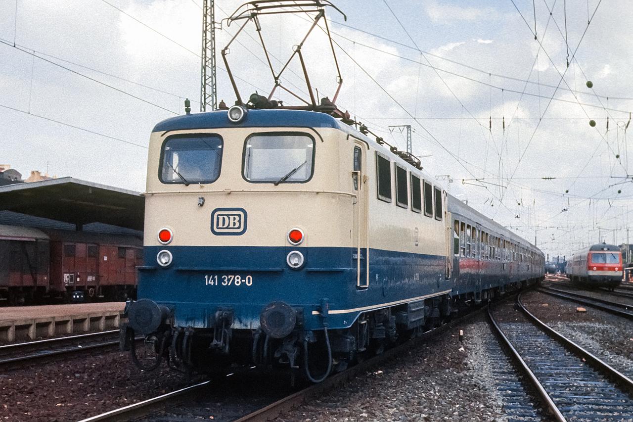 https://www.klawitter.info/bahn/allgemein/19820803_14-16_141378_Erlangen_k.jpg