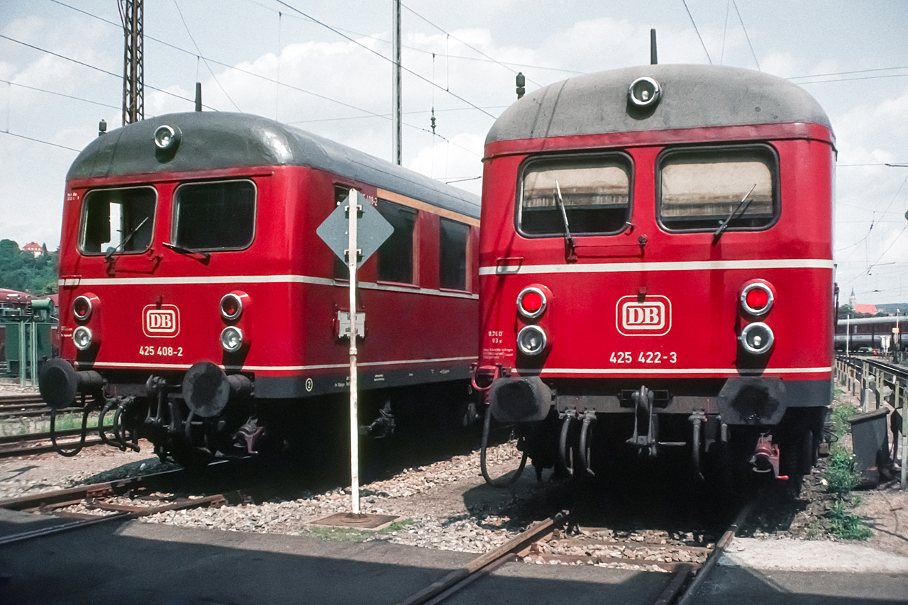 https://www.klawitter.info/bahn/allgemein/19820816_15-32_425408-425422_BwTuebingen_k.jpg