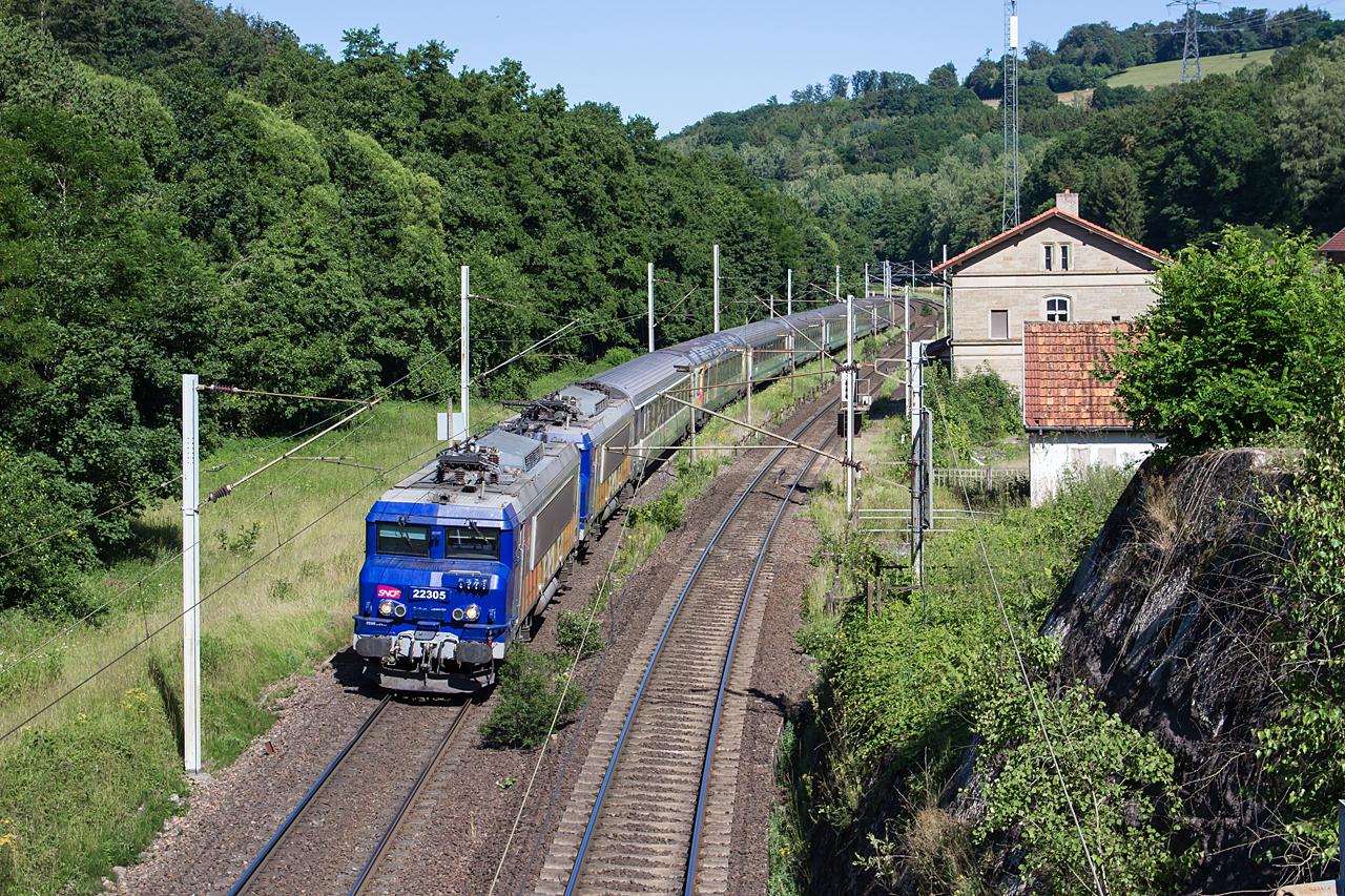 https://www.klawitter.info/bahn/allgemein/20200625-165538_SNCF22305-22235_Arzviller_TER839172_Strasbourg-ParisEst_k.jpg